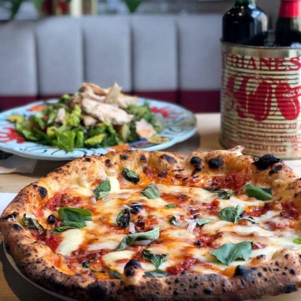 pizza at Rossopomodoro